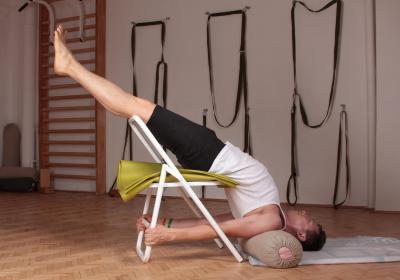 Йога за методом Айєнгара, поновлюючий клас